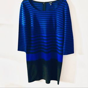 ANN TAYLOR COLOR BLOCK BLACK AND BLUE